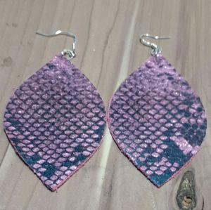 💕3/15💕 Faux leather earrings